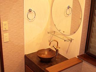 洗面リフォーム 和テイストの一風変わった洗面所