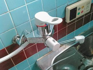 小工事 水漏れしていたお風呂場の蛇口を最新の水栓に交換