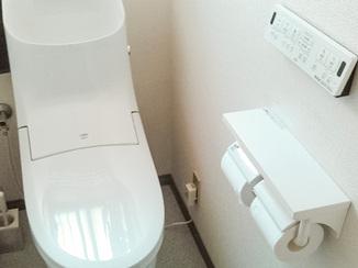 トイレリフォーム 手洗いボウルが深くお手入れも楽々なトイレ