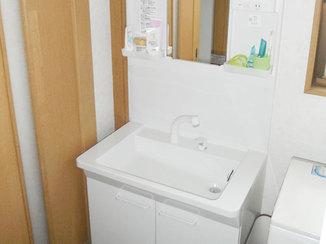洗面リフォーム 継ぎ目がなくふき掃除もかんたんな洗面台