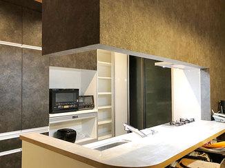 キッチンリフォーム 黒を基調としたスタイリッシュで高性能なシステムキッチン