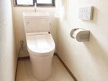 トイレリフォーム淡い色合いで統一した清潔感のあるトイレ空間